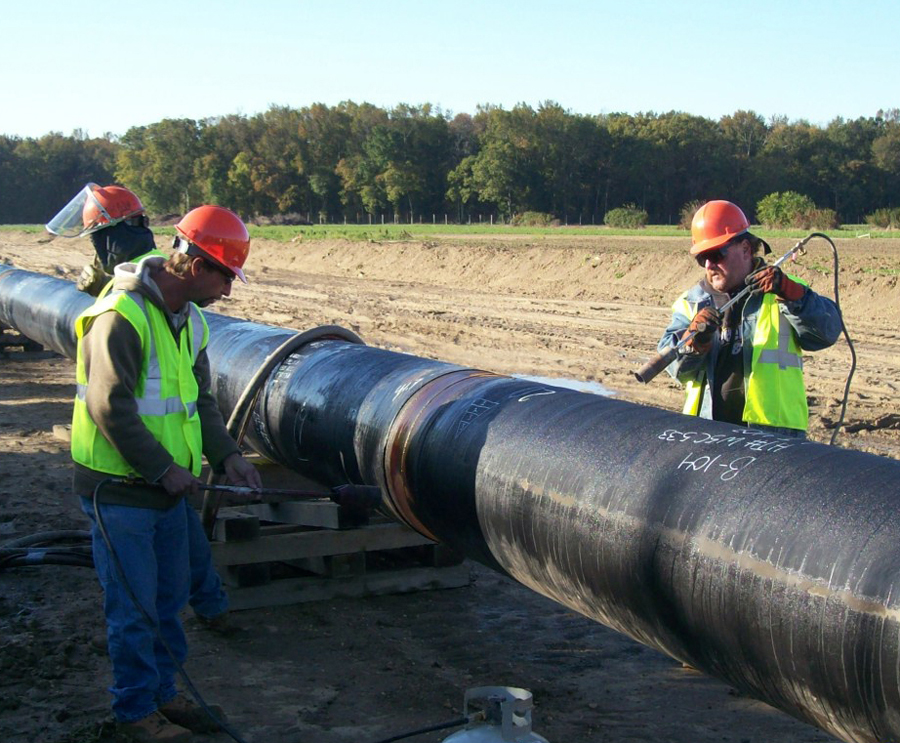 Improving natural gas pipleline infrastructure
